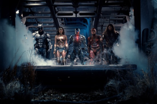 jl-movie-big-01